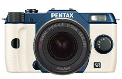 A Geelong Cats Pentax Q10. I want one!