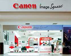 A Canon Image Square franchised outlet in India.