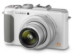 Premium models like the f1.4 Lumix LX7 and bridge/superzoom models will continue to sell in the compact category, says Panasonic.