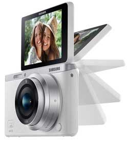 Samsung-NX-mini-flip