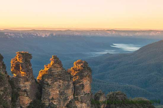 Three Sisters, Blue Mountains, picture © John Swainston, 2014