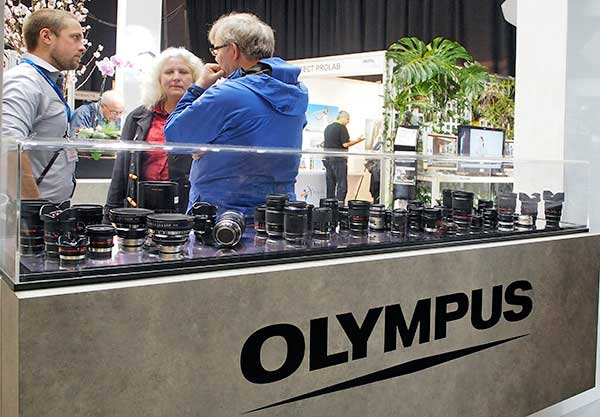 M4-3_lenses-on-Olympus-stand