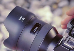 The Zeiss Batis lenses have an OLED panel on the barrel.