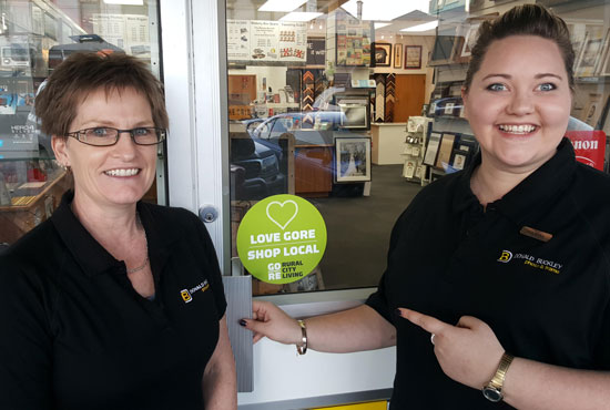 Donald Buckley Photo & Frame  is getting behind a drive to encourage consumers to